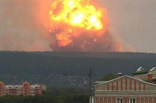 ببینید | انفجار بزرگ در انبار مهمات در روسیه