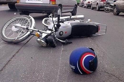 ببینید | تصادف عجیب خودرو و موتور