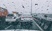 ترافیک روان در محورهای شمالی کشور/ بارش باران در برخی محورها