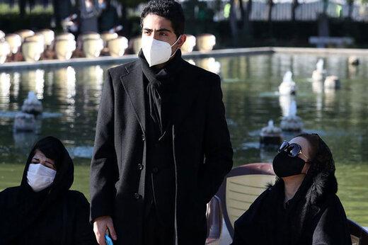 ببینید | عذرخواهی رایان شجریان از مردم در مراسم خاکسپاری پدرش