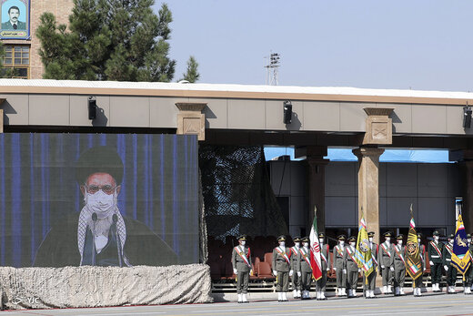 ارتباط تصویری رهبر انقلاب با مراسم مشترک دانشآموختگی دانشجویان دانشگاههای افسری نیروهای مسلح