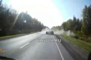 ببینید | تصادف وحشتناک در جاده به خاطر بیاحتیاطی راننده