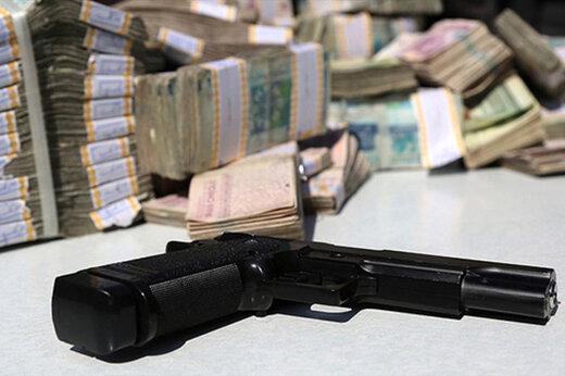 ببینید | لحظات باورنکردنی و ترسناک از سرقت مسلحانه بانک در قزاقستان