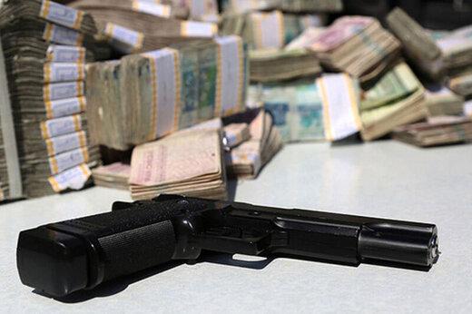 ببینید | تصاویر باورنکردنی از سرقت مسلحانه طلافروشی در کرمان