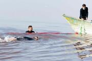 شنا با دست و پای بسته در دریاچه شور برای اولین بار در جهان