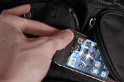 ببینید | سرقت عجیب موبایل در پمپ بنزین