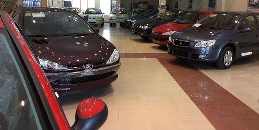 مقاومت بی فایده فروشندگان خودرو در برابر کاهش قیمت/ پراید در مرز 100 میلیون تومان