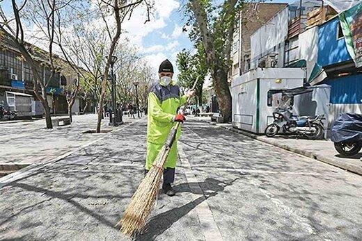 شهردار تهران از رفتگران نمونه تقدیر کرد