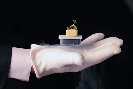ببینید   راه حل جالب کافهها و رستورانها برای تداوم فعالیت در دوران کرونا