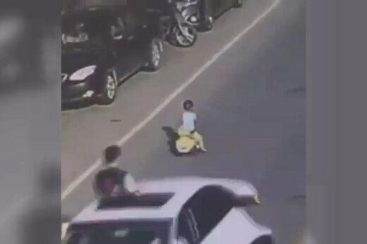 ببینید   وقتی رانندگی یک کودک خردسال شهر را بر هم میریزد