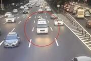 ببینید | چینیها چه رفتاری با آمبولانس در راهبندان دارند؟