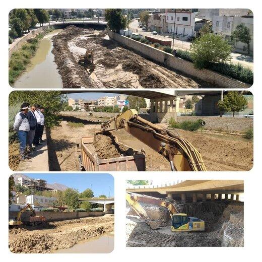 اجرای بسترسازی و احداث کانال مرکب پل شهدای حاج عمران