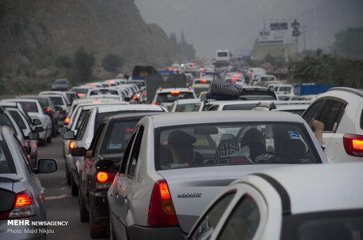 ممنوعیت تردد در محور چالوس از ساعت ۸ الی ۱۷/ ترافیک در آزادراه قزوین - کرج سنگین است