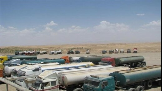 بلاتکلیفی کامیونهای حامل سوخت در مرز ایران و عراق