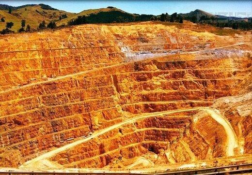 استخراج سالانه یک میلیون تن طلا در تکاب