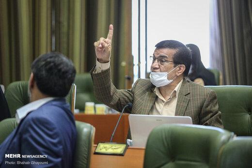 انتقاد تند یک عضو شورای شهر: متاسفم شهردار تهران به وعدههایش وفا نمیکند