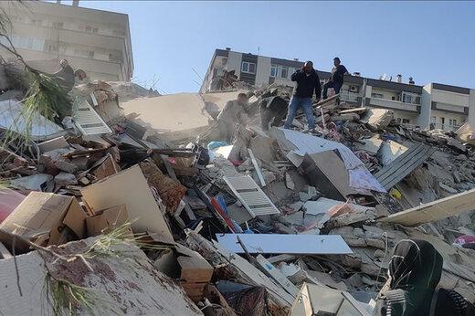 ببینید | فیلمی دیگر از فرو ریختن ساختمان در ازمیر ترکیه