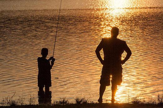 ببینید   دقایق وحشتبار در ساحل؛ ماهیگیری پدر و پسر با چاشنی آلفرد هیچکاک