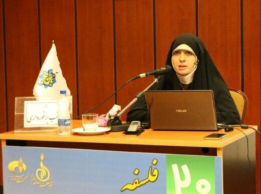 استاد فلسفه دانشگاه تهران: کابینت آشپزخانه ما ایرانی ها،متناسب با قد زنان نیست