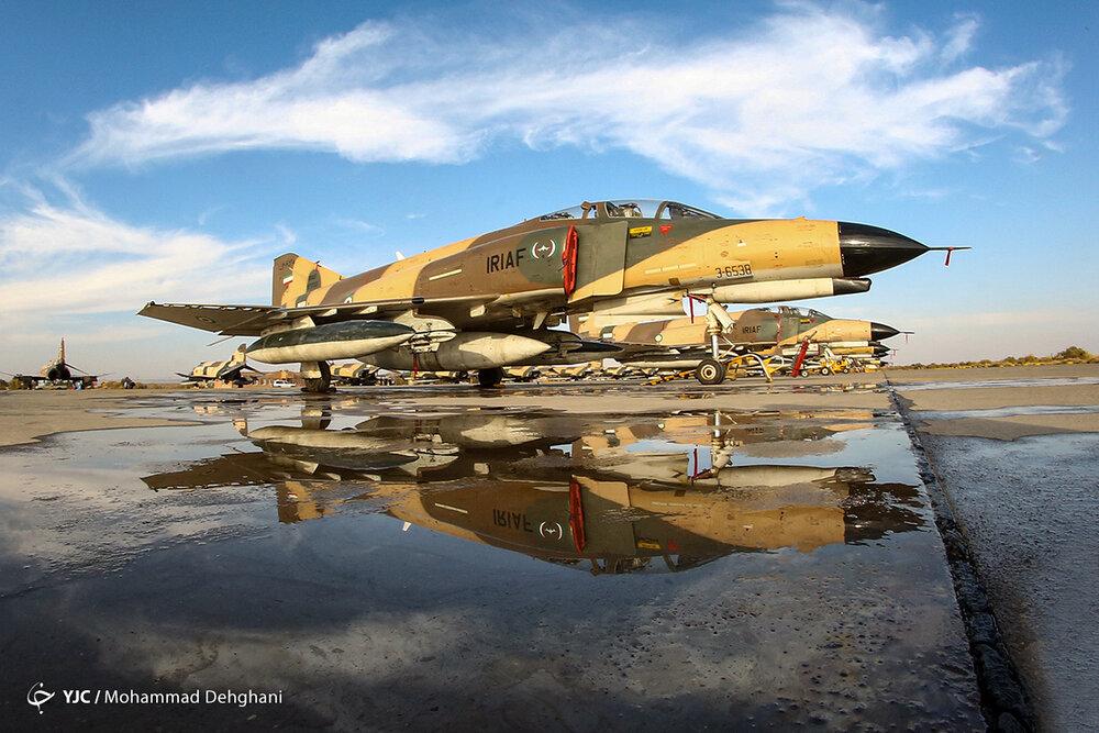 کدام خلبان شهید ارتش جنگنده را با یک بال به زمین نشاند؟