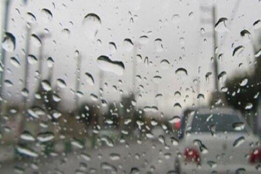 تداوم بارش باران در بیشتر نقاط ایران / هوا خنک میشود