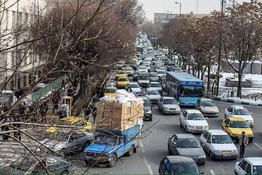 رئیس شورای شهر: طرح ترافیک باید از در منازل انجام شود