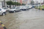 ببینید | جاری شدن سیلاب در خیابانهای کرمانشاه پس از بارش شدید باران