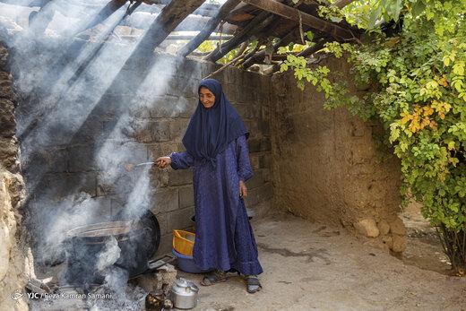 رب گیری انار در آیین سنتی «ناردُنگ»