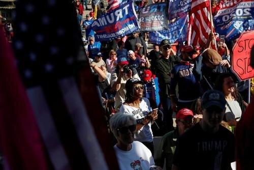 تظاهرات اعتراضی حامیان ترامپ در اعتراض به نتایج انتخابات ریاست جمهوری در ایالتهای ویکانسین و میشیگان