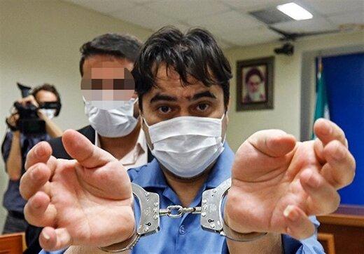 روحالله زم در یک قدمی اعدام؛ ۱۲ سال زندان برای مدیرعامل یک بانک