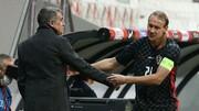 یک کرونایی در دیدار ترکیه – کرواسی به میدان رفت!/عکس