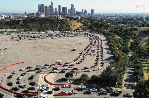 ببینید | صف طولانی خودروها برای آزمایش کرونا در آمریکا