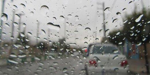 برف و باران در جادههای ۱۶ استان