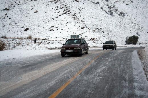 ببینید | بارش برف پاییزنی در جاده چالوس