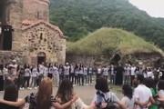 ببینید | مراسم ویژه مردم ارمنستان برای خداحافظی از شهرشان