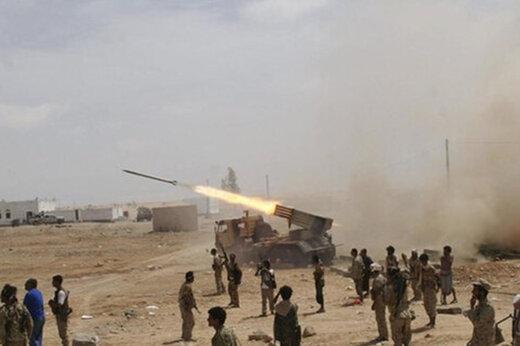 ببینید | لحظه هدف قرار گرفتن مزدوران سعودی توسط رزمندگان انصارالله یمن