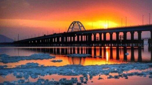 انتقادها از دریافت عوارض پل میانگذر دریاچه ارومیه ادامه دارد