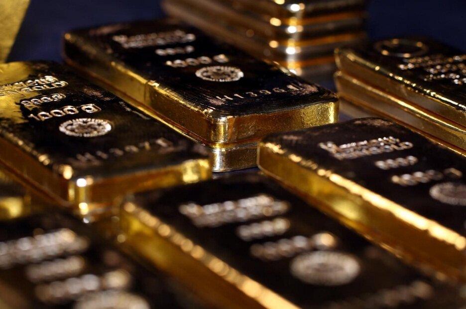 طلا در سراشیبی افتاد