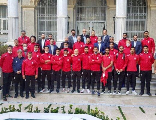 تیم ملی فوتبال به تهران برگشت