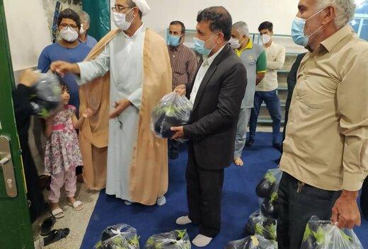 ماجرای تصویر پرحاشیه توزیع بادمجان توسط یک امام جمعه