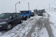 جادههای هراز و کندوان برفی است