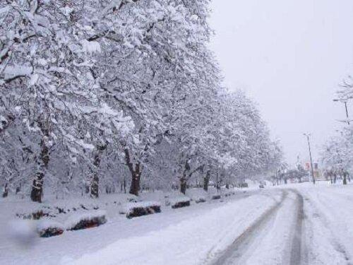 بارش برف در گردنه ها و مناطق مرتفع همدان
