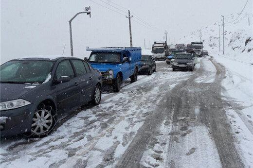 ترافیک سنگین جادههای منتهی به شمال