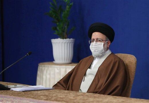 رئیسی: دشمن با تهدیدها و تحریمهایش میخواهد ملت ما را محاصره کند