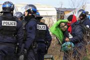 ببینید   حمله پلیس فرانسه به اردوگاه پناهجویان با گاز اشکآور