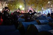 ببینید | خشونت وحشیانه پلیس فرانسه در مقابل مهاجران در پاریس