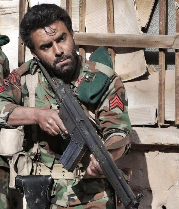 فیلم «کلاه سبزها» به کارگردانی مسعود تکاور، جمعه هفتم آذر از شبکه یک پخش خواهد شد. مقاومت ۳۴ روزه تکاوران نیروی دریایی ارتش در خرمشهر، موضوع این فیلم است.