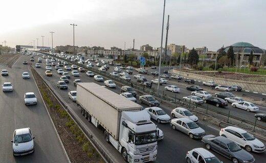 جاده هراز و فیروزکوه بارانی است؛ اتوبان کرج شلوغترین جاده کشور