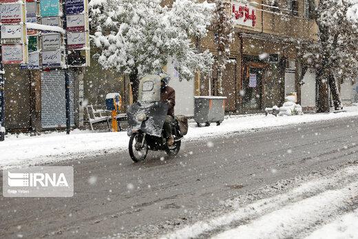 بارش برف پاییزی در ارومیه، زنجان و اردبیل