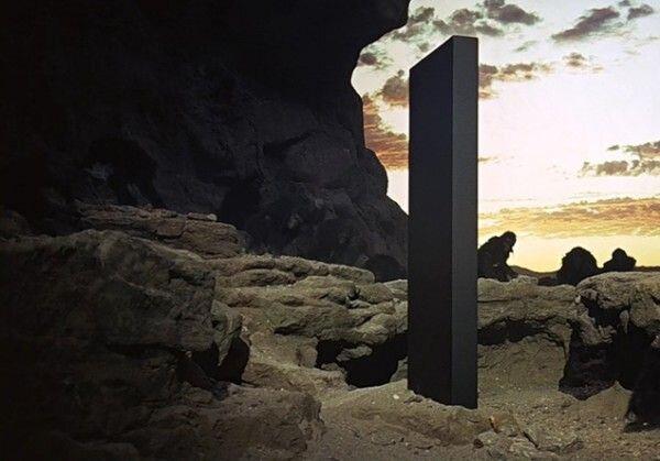 5500249 - هنرِ آدم فضاییها یا شوخی برای جلب توجه